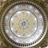 大教堂中央圆屋顶s st斯蒂芬 免版税库存照片