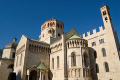 大教堂中央寺院圣trento vigilio 免版税库存照片