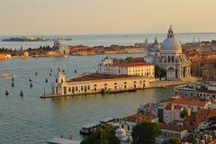 大教堂二圣玛丽亚在giudecca运河的della致敬 图库摄影