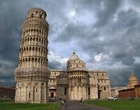 大教堂倾斜比萨塔的意大利 免版税图库摄影