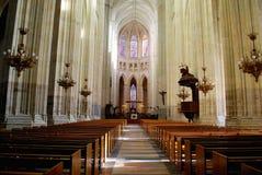 大教堂内部在南特 免版税库存照片