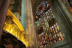大教堂内部米兰 免版税库存图片