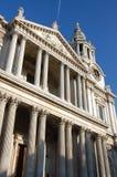 大教堂列前伦敦pauls st 免版税库存图片