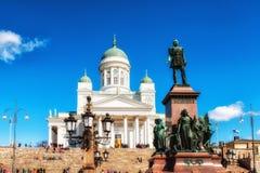 大教堂和纪念碑对亚历山大二世在赫尔辛基 免版税库存图片