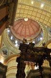 大教堂圆屋顶玛丽女王/王后世界 免版税库存照片