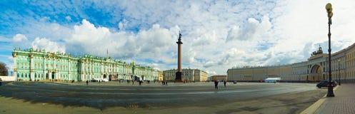 大教堂圆屋顶isaac ・彼得斯堡俄国s圣徒st 免版税库存照片