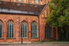 大教堂圆顶里加 在13世纪修建的一个老宗教大厦 其中一城市的视域 库存图片