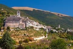 大教堂圣弗朗切斯科在Assisi,翁布里亚,意大利 免版税库存照片