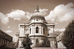 大教堂在伦敦 免版税库存照片