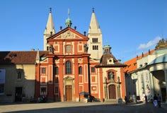大教堂城堡乔治・布拉格st 免版税库存照片