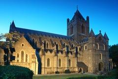 大教堂基督著名教会的夜间 免版税库存图片