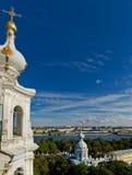 大教堂复杂彼得斯堡smolny st 免版税图库摄影