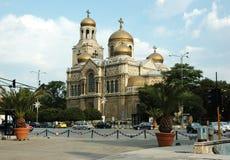 大教堂多数安置普遍的theotokos瓦尔纳 免版税图库摄影