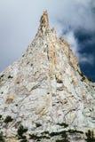 大教堂峰顶上升入天空,优胜美地,加利福尼亚 库存图片