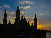 大教堂我们的柱子-萨瓦格萨,西班牙的夫人 库存照片