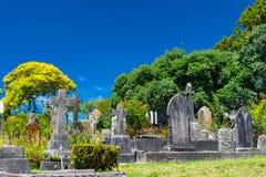 大教堂教会和坟园 免版税库存图片