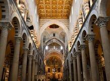 大教堂教堂中殿比萨 免版税库存照片
