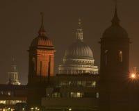 大教堂晚上 免版税库存照片