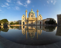 大教堂查尔斯st维也纳 免版税库存图片