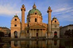 大教堂查尔斯st维也纳 免版税库存照片