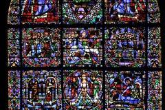 大教堂沙特尔玻璃被弄脏的视窗 免版税图库摄影