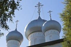 大教堂的圆顶圣洁的贞女的做法在Belozersk镇,沃洛格达州地区 免版税图库摄影