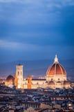 大教堂的夜视图在佛罗伦萨 免版税库存图片