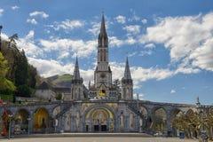 大教堂的看法在卢尔德,法国 免版税图库摄影