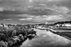 大教堂的看法在斯摩棱斯克,俄罗斯 库存照片