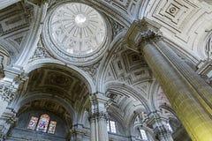 大教堂的里面看法在哈恩省,西班牙 库存照片