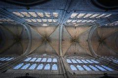 大教堂的里面看法在阿维拉 免版税库存图片