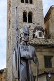 大教堂的雕象横跨比克的Oliba主教的 库存图片