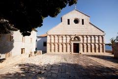 大教堂老石头 免版税库存图片