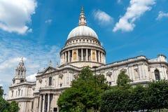大教堂著名伦敦pauls st 免版税库存图片