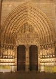 大教堂贵妇人notre巴黎门户 免版税库存图片