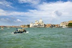 大教堂运河della全部玛丽亚致敬圣诞老&#201 免版税库存图片