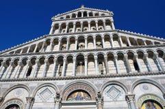 大教堂门面比萨 免版税库存照片