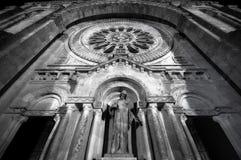 大教堂门面luzia圣诞老人 免版税库存图片