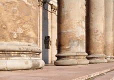大教堂黑暗的入口esztergom门匈牙利 库存照片