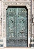 大教堂,佛罗伦萨(意大利)的前门 图库摄影