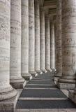大教堂columnate彼得st梵蒂冈 免版税库存照片