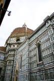 大教堂del惊人地详述二外部著名fiore佛罗伦萨地标玛丽亚多数晚上圣诞老人 免版税库存图片