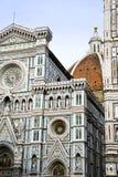 大教堂del惊人地详述二外部著名fiore佛罗伦萨地标玛丽亚多数晚上圣诞老人 免版税图库摄影