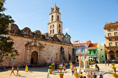 大教堂Menor de旧金山de阿西西在哈瓦那旧城Vieja古巴 免版税库存照片