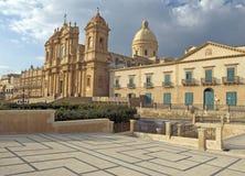 大教堂noto西西里岛 图库摄影