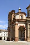 大教堂pronao,沃盖拉,意大利 免版税库存图片