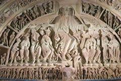 大教堂Sainte玛里马德琳楣石和雕塑在Vezelay 库存图片
