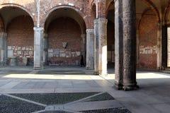 大教堂sant'ambrogio教会米兰,米兰expo2015 免版税库存照片