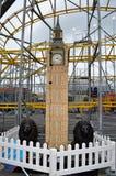 大本钟从伦敦的模型雕象 库存图片