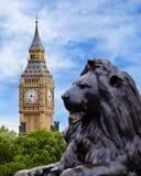 大本钟从特拉法加广场,伦敦观看了 免版税库存图片